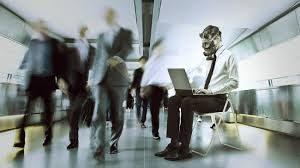 sopravvivere-lavoro-tossico-psicologa-online-italia